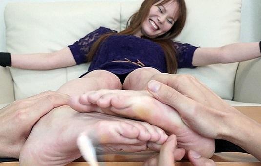 有沢りさ拘束責め大ピンチ! 女子の足裏コレクション 7