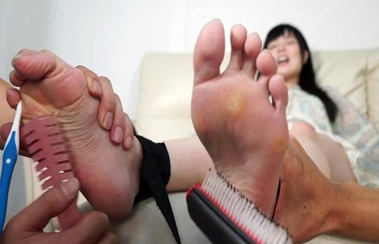 なごみちゃん長谷川夏樹ちゃんの足裏くすぐりコレクション